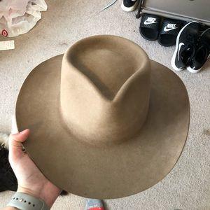 Akubra snowy river hat. Size 56.